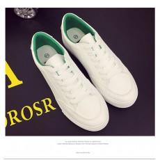 PU白色平底鞋